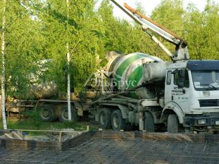 Заливка железо-бетонной монолитной плиты под строительство каркасного дома по проекту КД 060, СНТ «Фауна»